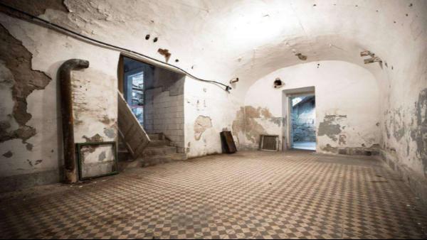 工业除湿机如何在地下室防潮除湿